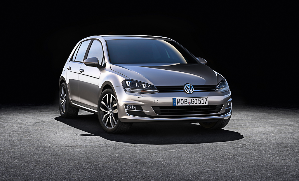 Production of the New 2013 Volkswagen Golf VII [Video]