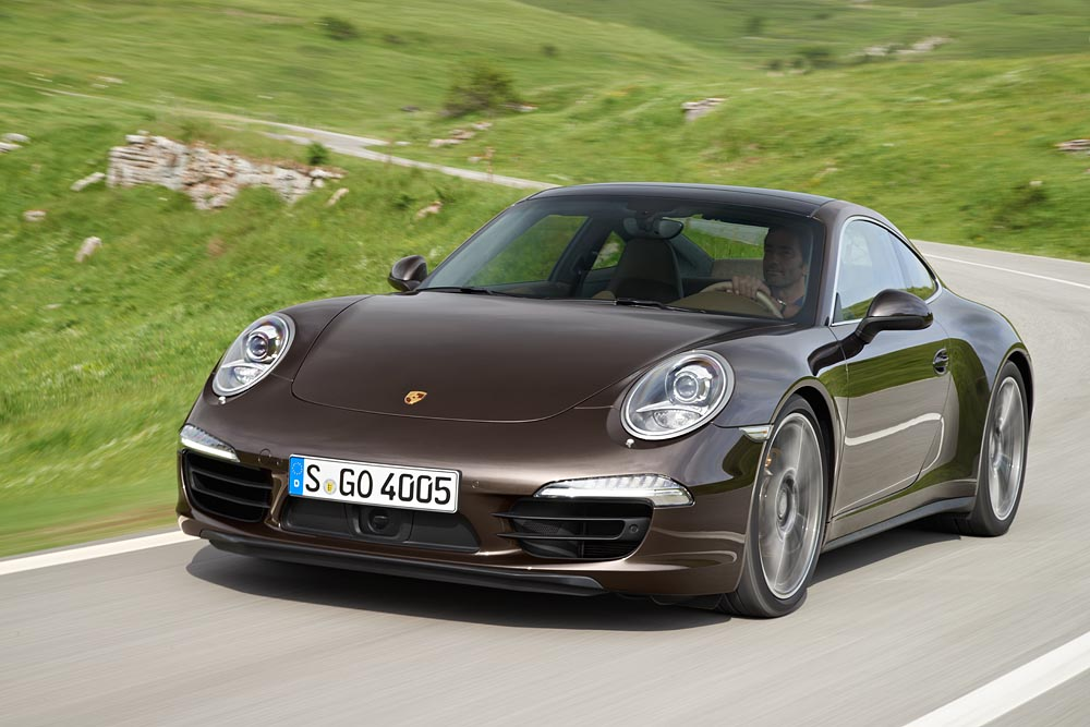 2013 Porsche 911 Carrera 4 and 4S Details Released