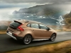 2013-volvo-v40-cross-country-13
