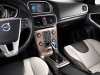 2013-volvo-v40-cross-country-3