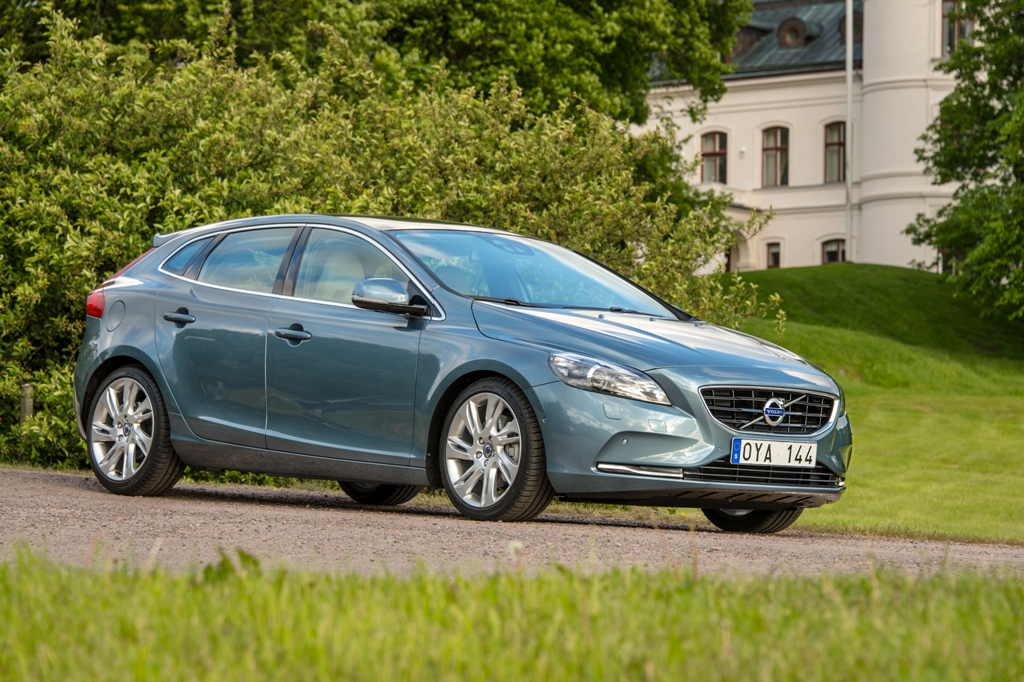 The Volvo V40 - Assault Of The Premium Hatchback