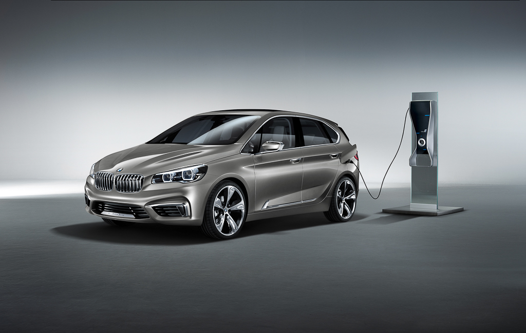 BMW Concept Active Tourer [Video]