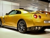 bolt-gold-nissan-gt-r_01