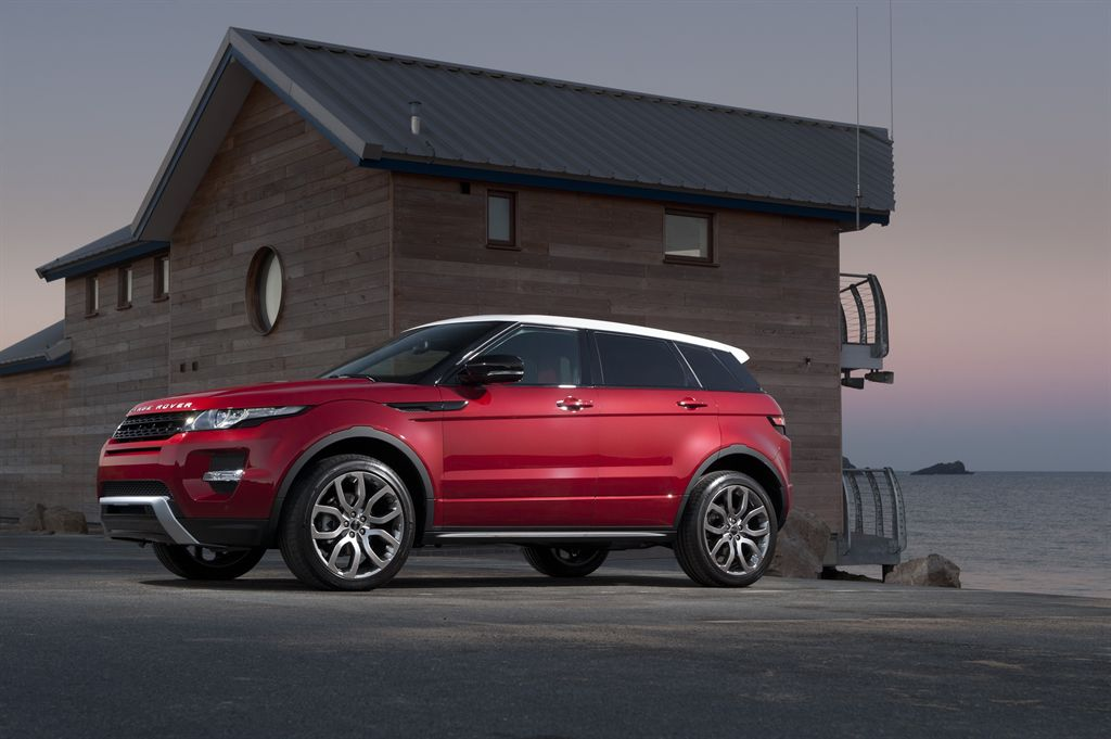Range Rover Evoque Wins Women's World Car Of The Year