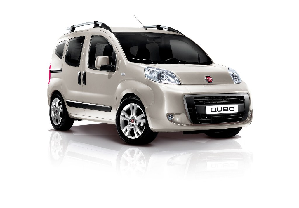 the fiat qubo fiats new mom s taxi. Black Bedroom Furniture Sets. Home Design Ideas