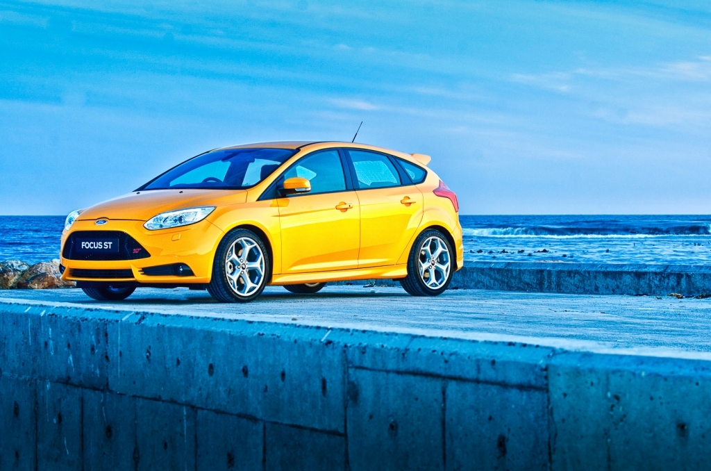 ford focus st launched in south africa. Black Bedroom Furniture Sets. Home Design Ideas