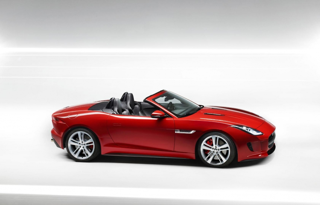 Watch Out, the Jaguar F-Type Cometh to Steal Thine Heart