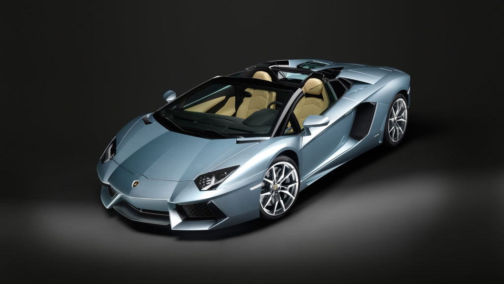 The Very Striking Lamborghini Aventador LP 700-4 Roadster