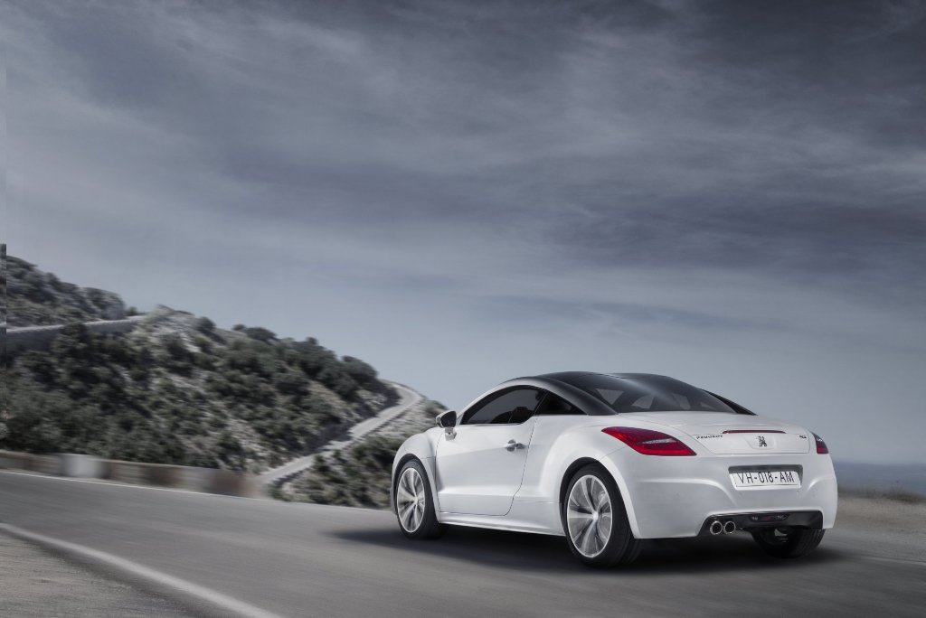 the redesigned peugeot rcz sports coupe. Black Bedroom Furniture Sets. Home Design Ideas
