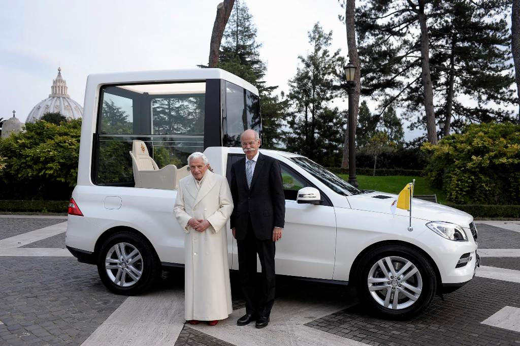 Pope Benedict XVI gets new Popemobile