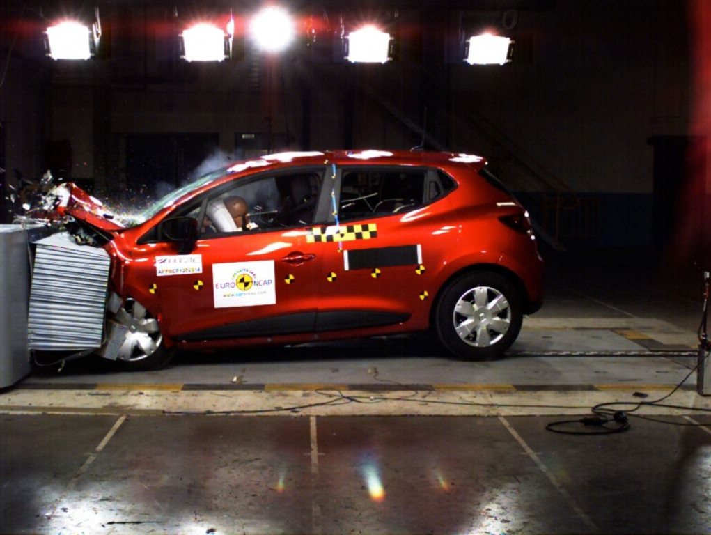 New Renault Clio Passes Euro NCAP With Flying Colours