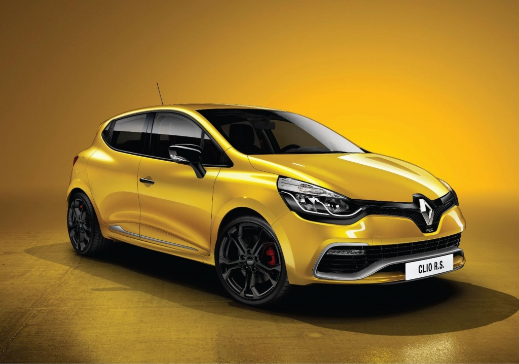 The New Renault Clio RS 200 Turbo Storms In