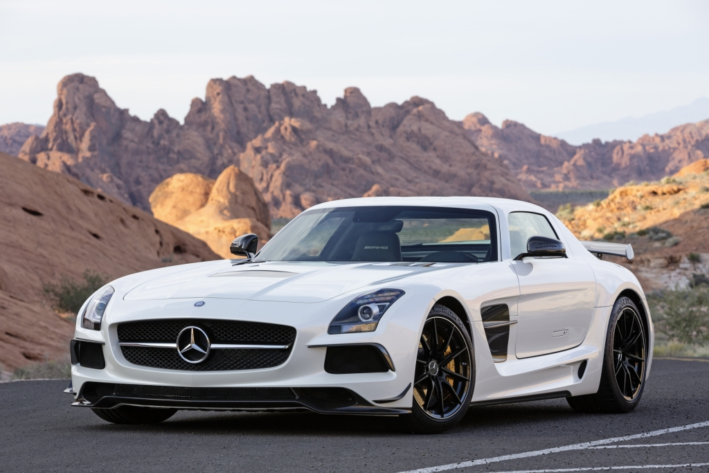 The new Mercedes-Benz SLS AMG Coupé Black Series [With Video]