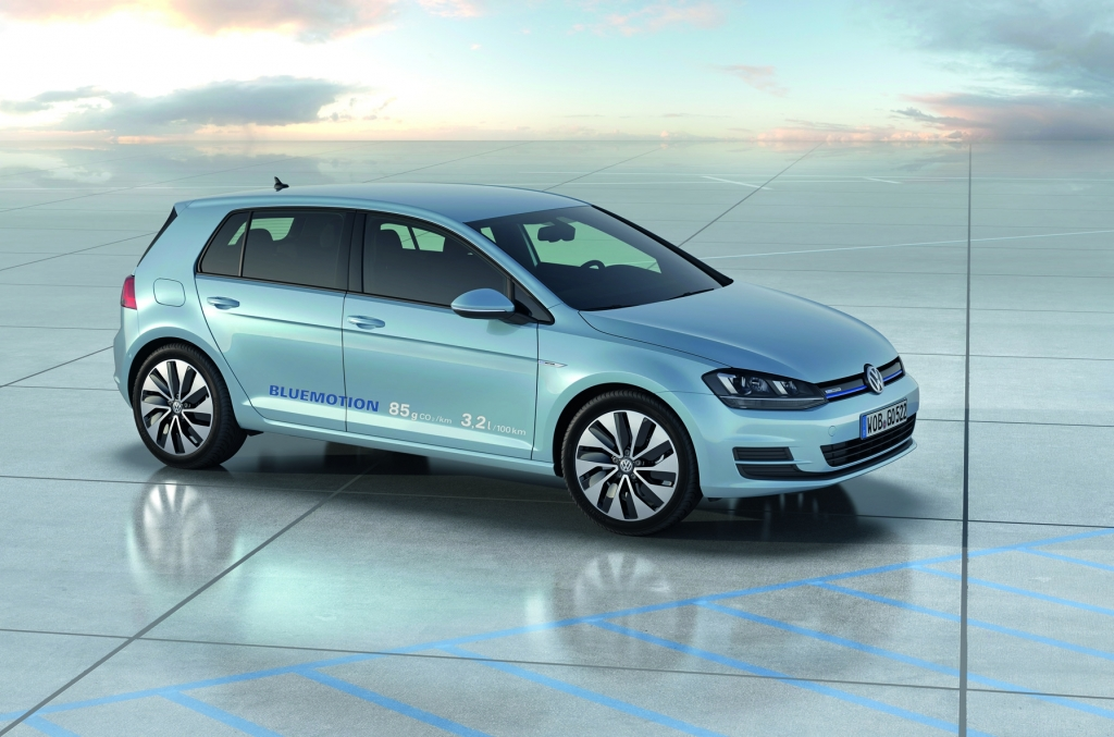 The New Volkswagen Golf VII BlueMotion