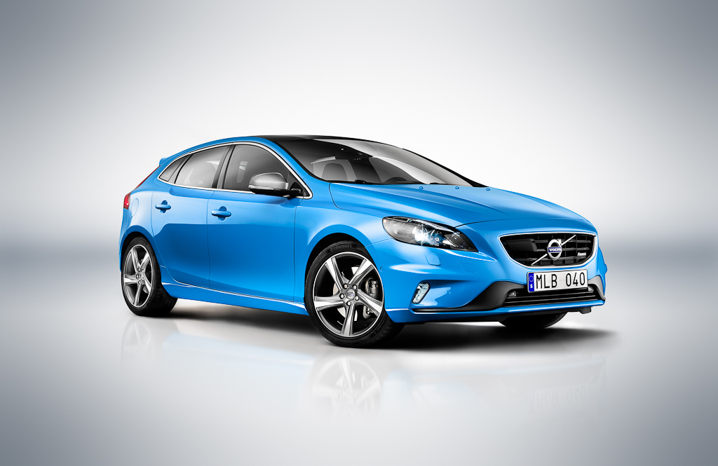 Volvo Launches Volvo V40 R-Design